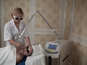 Điều trị tàn nhang bằng Laser Toning có gây đau đớn không?