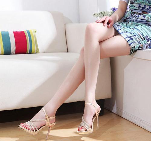 Mách bạn cách tẩy lông chân đơn giản vừa rẻ vừa hiệu quả 1