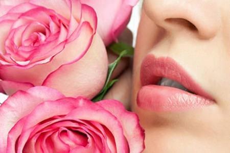 Làm sao để môi xăm lên màu đẹp?