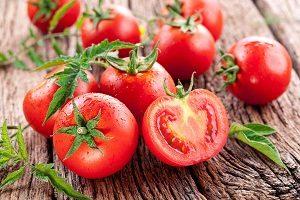 Bật mí cách trị mụn bằng cà chua cực dễ thực hiện